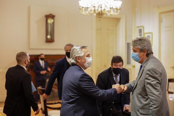Alberto Fernández y el CAA