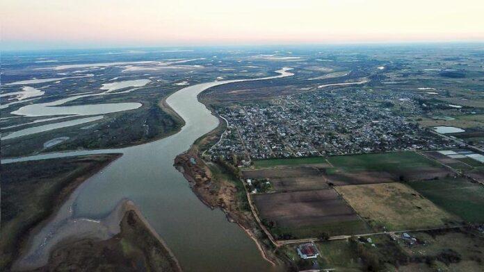 río Paraná agua